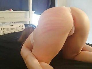 دختر دانلود فیلمهای سکسی خارجی رایگان سرخ را با یک خروس سخت برکت دهید