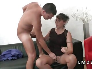 شخص زیبا fucks در سبزه زرق و برق دار و cums در کس دانلود فیلم سکسی جانی او