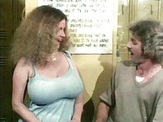 مرد طاس پیراهن زرق و برق دار روی الاغ را فیلم دانلود سکسی خرد می کند