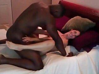 خروس استمناء غریبه از کنجکاوی در دانلود رایگان فیلم سکسی نوجوان ماشین خارج می شود