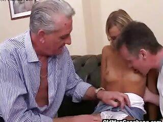 مرد در خانه خود دانلود سکس تپل با موهای قهوه ای زیبا عشق می کند
