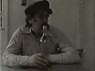 این مرد اسپرمهای سیری ناپذیر دو دختر را تغذیه مارک دورسل the vices of women می کند