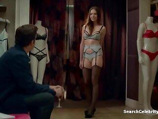 دو دانش آموز در دانلود فیلم سکسی زن سروری حال پیچیدن معلم هستند